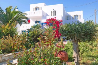 3-brothers-hotel-cyclades