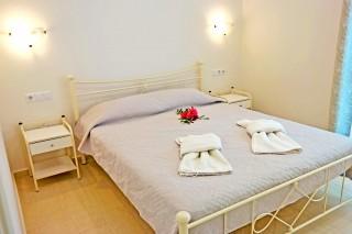 naxos-room-38-01